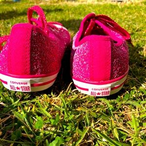 Brand new never used Converse all star hot pink
